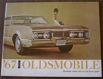 OLDSMOBILE 1967 BROCHURE TORONADO 4-4-2 CUTLASS DE