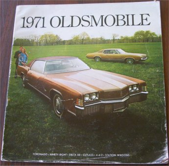 OLDSMOBILE 1971 BROCHURE TORONADO 4-4-2 CUTLASS